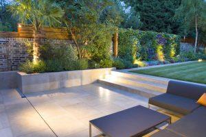 Garden Design: Not using joints between slabs gives a sleek look